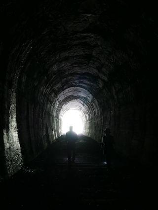トンネルを抜けると.jpg
