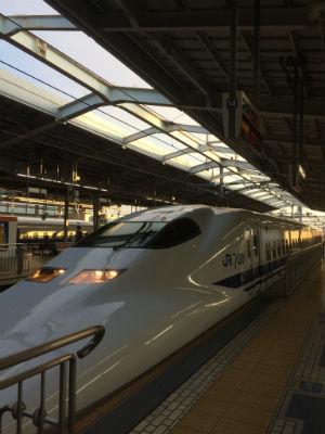 新幹線に飛ひ?乗って.jpg