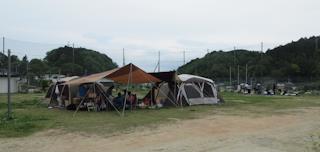 皆でキャンプ.png
